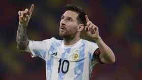 Leo Messi celebra un gol con la selección de Argentina