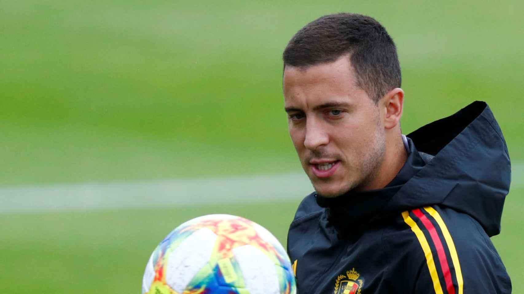 Eden Hazard durante un entrenamiento con Bélgica