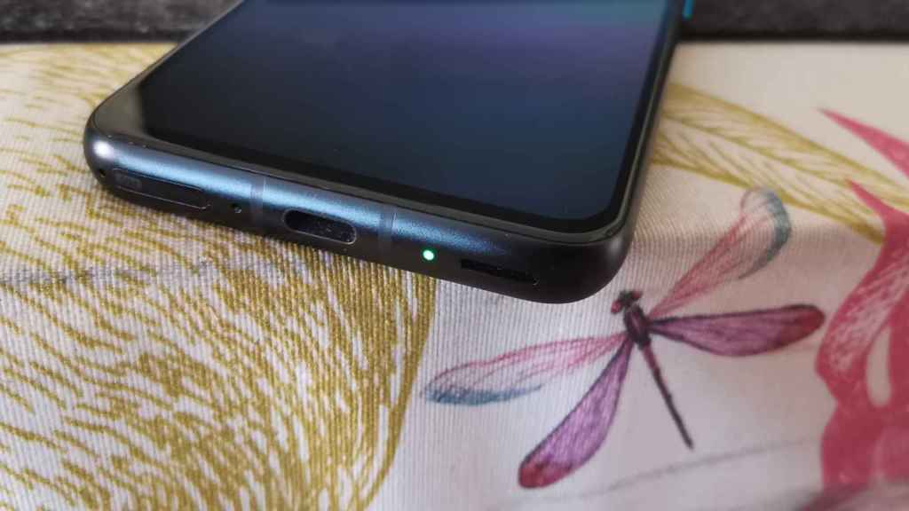 LED de notificaciones en Asus ZenFone 8