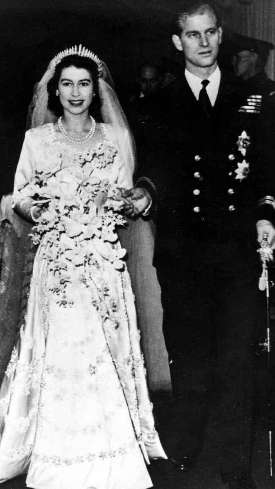 Isabel II y Felipe, el día de su boda.