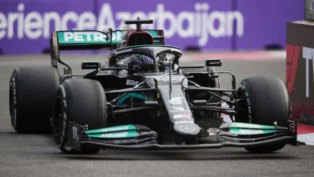 Lewis Hamilton en el circuito de Bakú