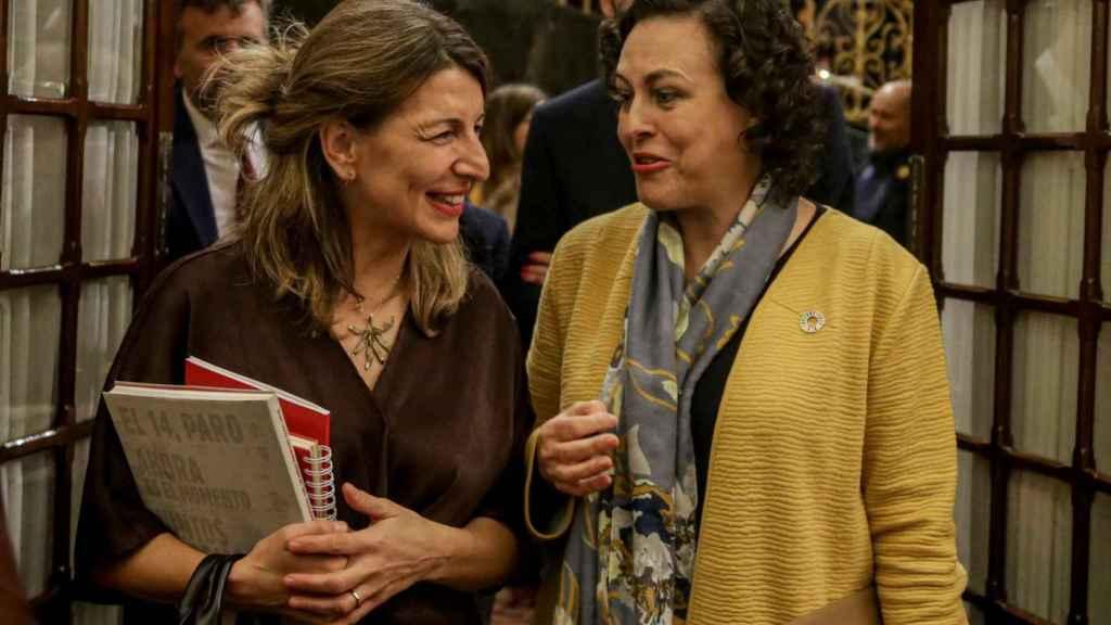 Yolanda Díaz, vicepresidenta segunda de Trabajo y Economía Social, y Magdalena Valerio, exministra de Trabajo y presidenta de la Comisión del Pacto de Toledo.