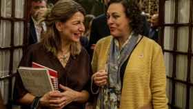 Yolanda Díaz, vicepresidenta tercera de Trabajo y Economía Social, y Magdalena Valerio, exministra de Trabajo y presidenta de la Comisión del Pacto de Toledo.