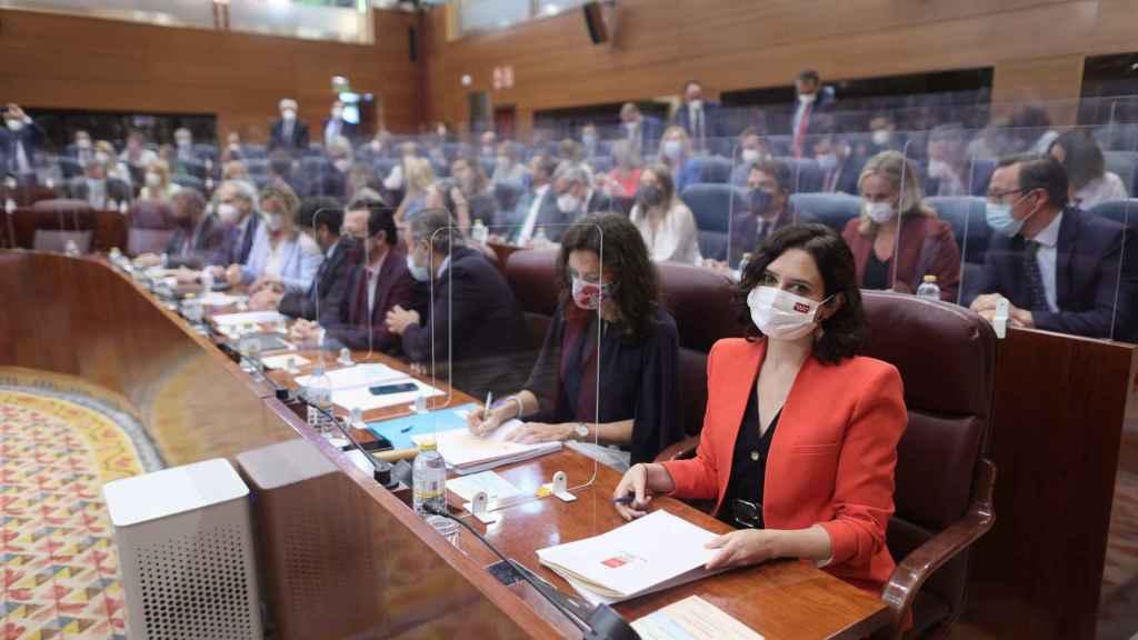 La presidenta en funciones de la Comunidad de Madrid, Isabel Diaz Ayuso, a su llegada a la constitución de la Asamblea de Madrid. EP