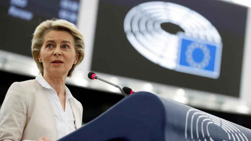 La presidenta Ursula von der Leyen, durante su comparecencia en la Eurocámara este martes
