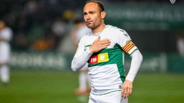 El jugador se retira tras batir multitud de récords en su carrera.