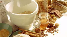 Miel y especias como la canela contienen compuestos saludables.