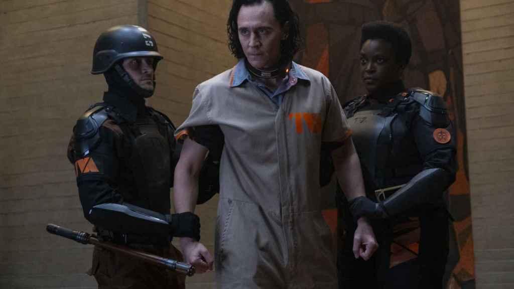 Loki en su llegada a la Agencia de Variación Temporal.