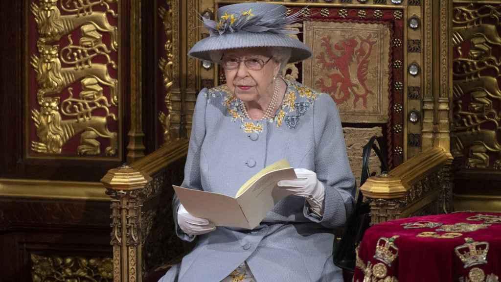 La reina Isabel II durante un acto público.