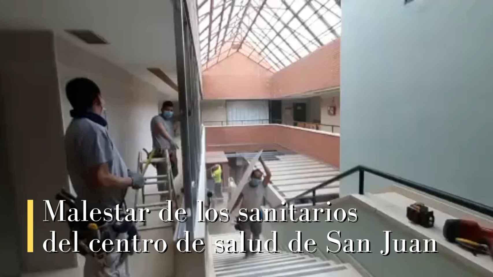 Malestar de los profesionales ante el caos generado por las obras de ampliación del centro de Salud.