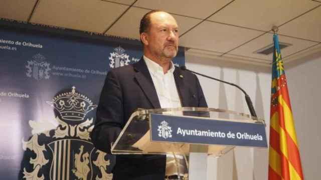 El alcalde de Orihuela, Emilio Bascuañana.