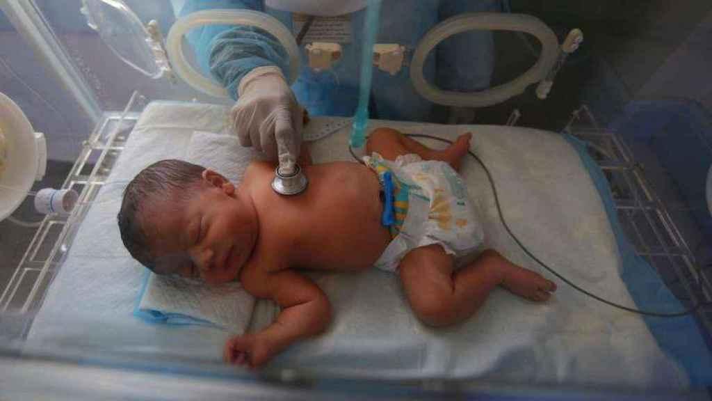 La bronquiolitis en bebés es típica del invierno, pero se están empezando a ver más casos ahora.