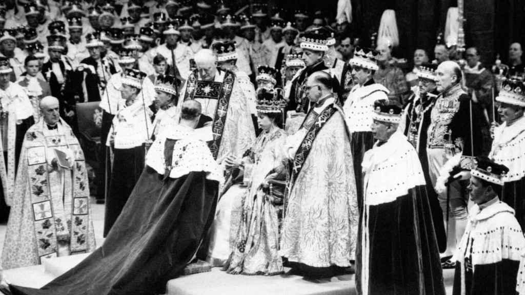 El duque de Edimburgo el día de la coronación de Isabel II.