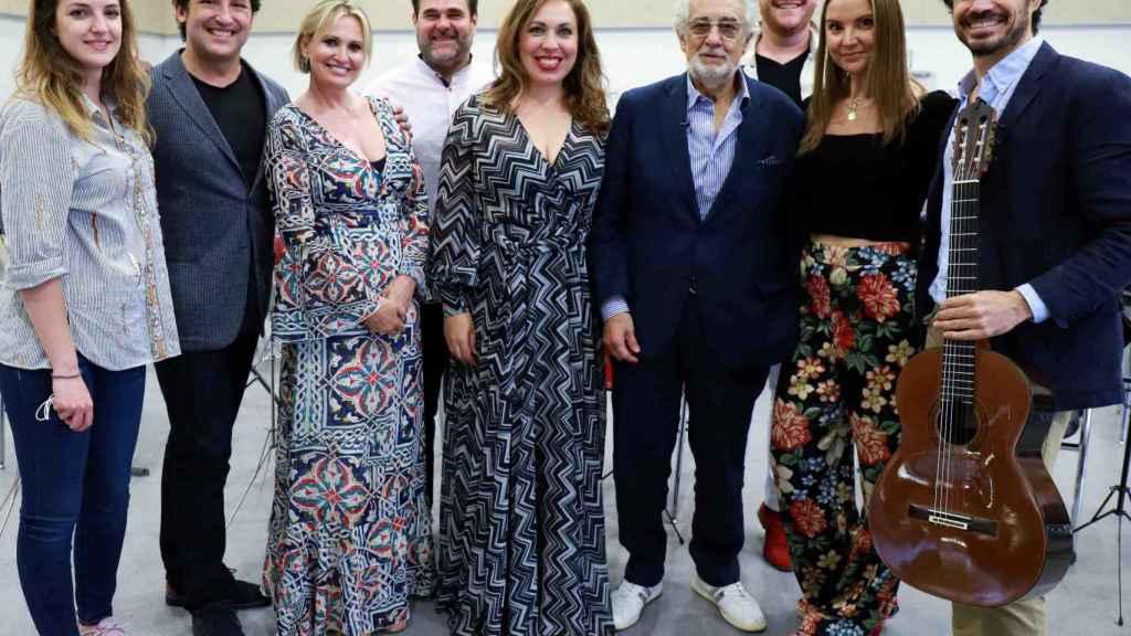 Plácido Domingo y el resto de artistas que han participado en el concierto solidario #VocesResponden.