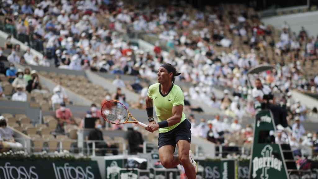 Rafa Nadal, durante el partido frente a Diego Schwartzman en Roland Garros 2021