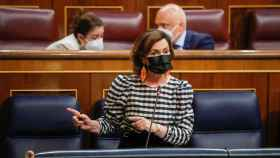 Carmen Calvo, vicepresidenta primera, responde a Cuca Gamarra durante la sesión de control al Gobierno.