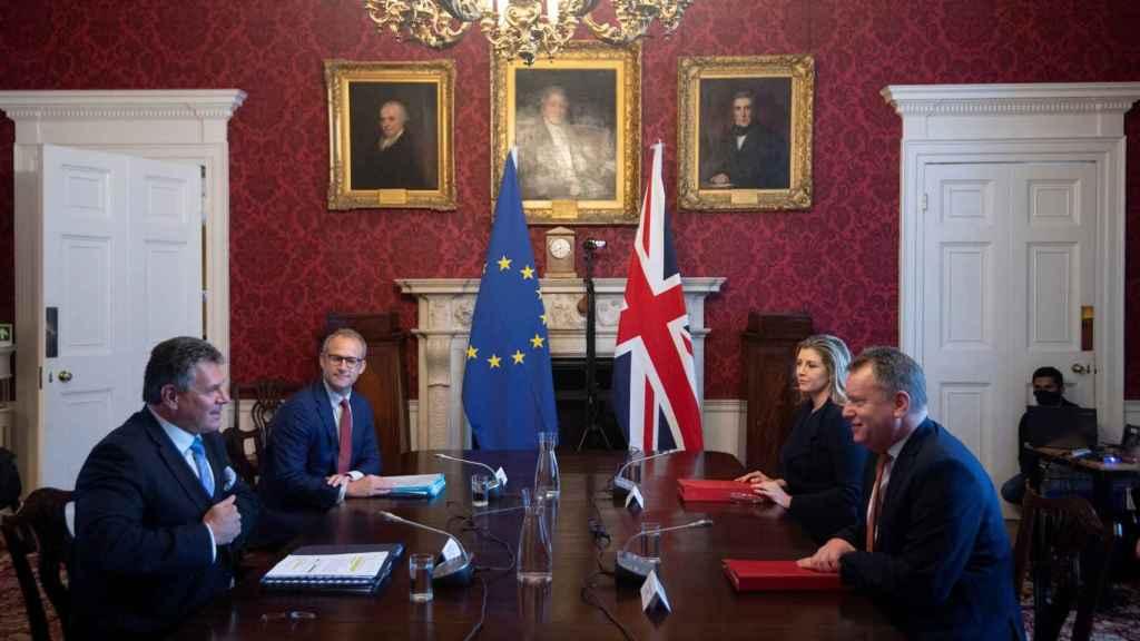 Maros Sefcovic y David Frost, durante la reunión celebrada este miércoles en Londres