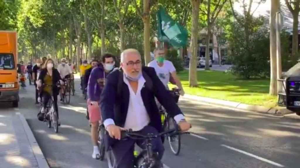 Diputados de Más Madrid llegando a la Asamblea este martes.