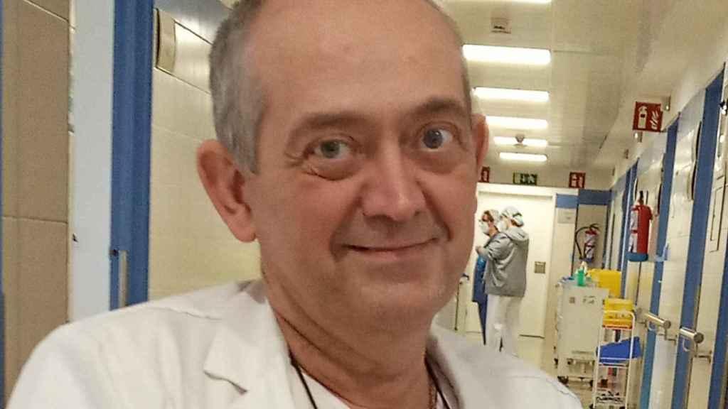 El médico internista Julio Martínez-Gonzalez