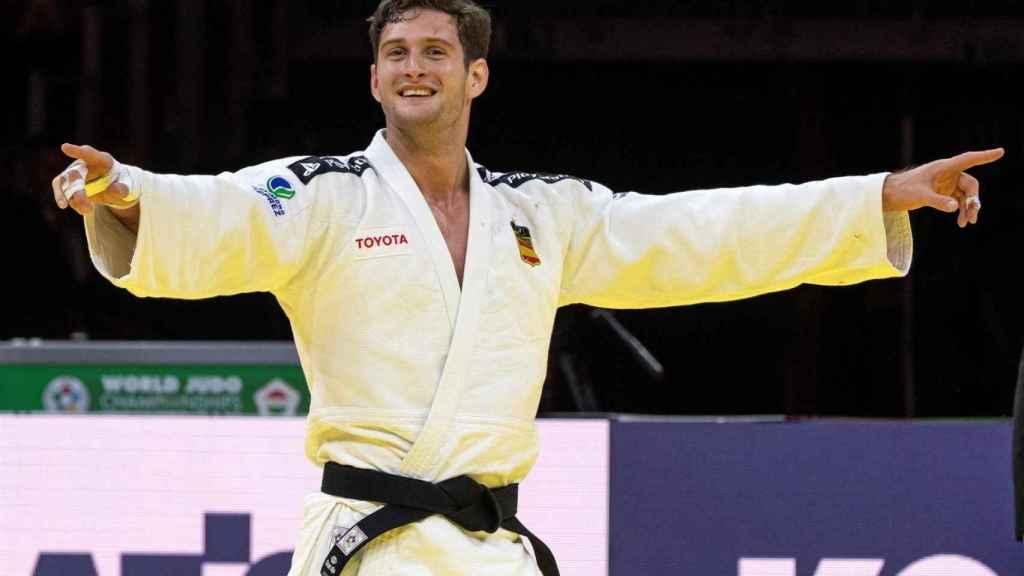 Nikoloz Sherazadishvili celebra su título mundial de judo