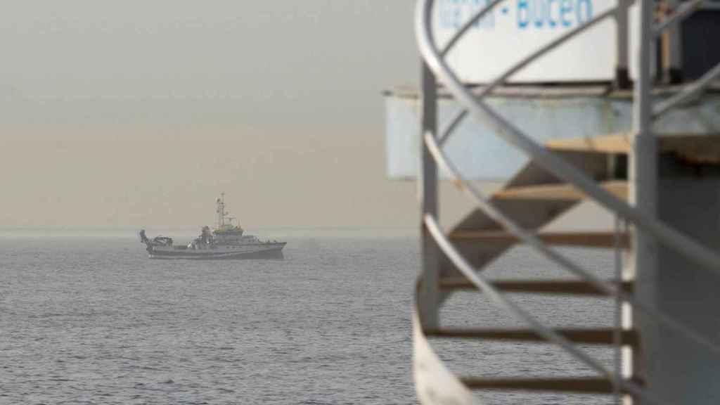 El buque de búsqueda en la zona delimitada frente a la costa de Tenerife.