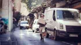 Un repartidor trabajando, en imagen de archivo.