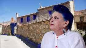 La 'casa azul' de Brieva de Lucía Bosé ha reducido su precio de venta.