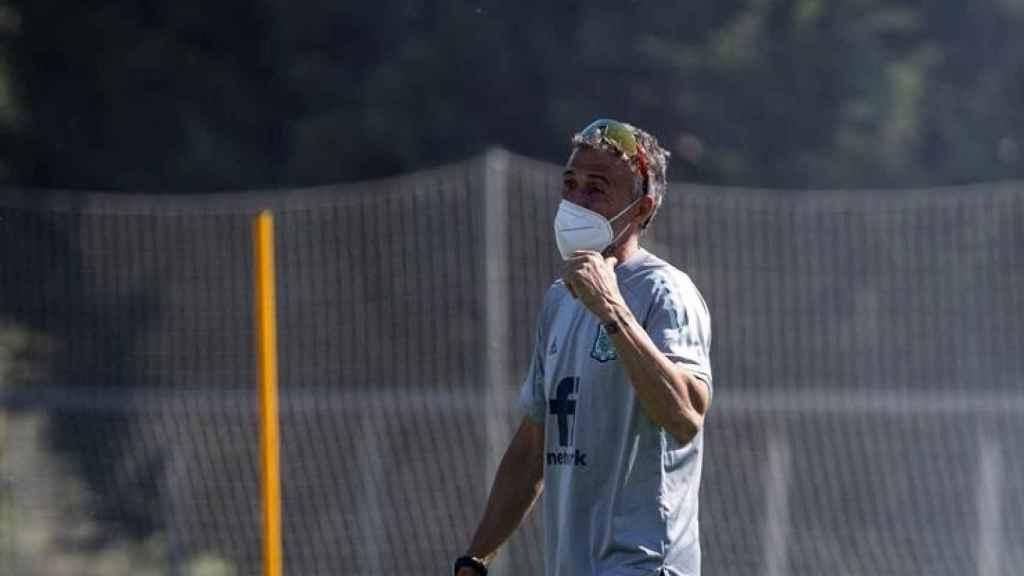 Luis Enrique dirigiendo la Selección