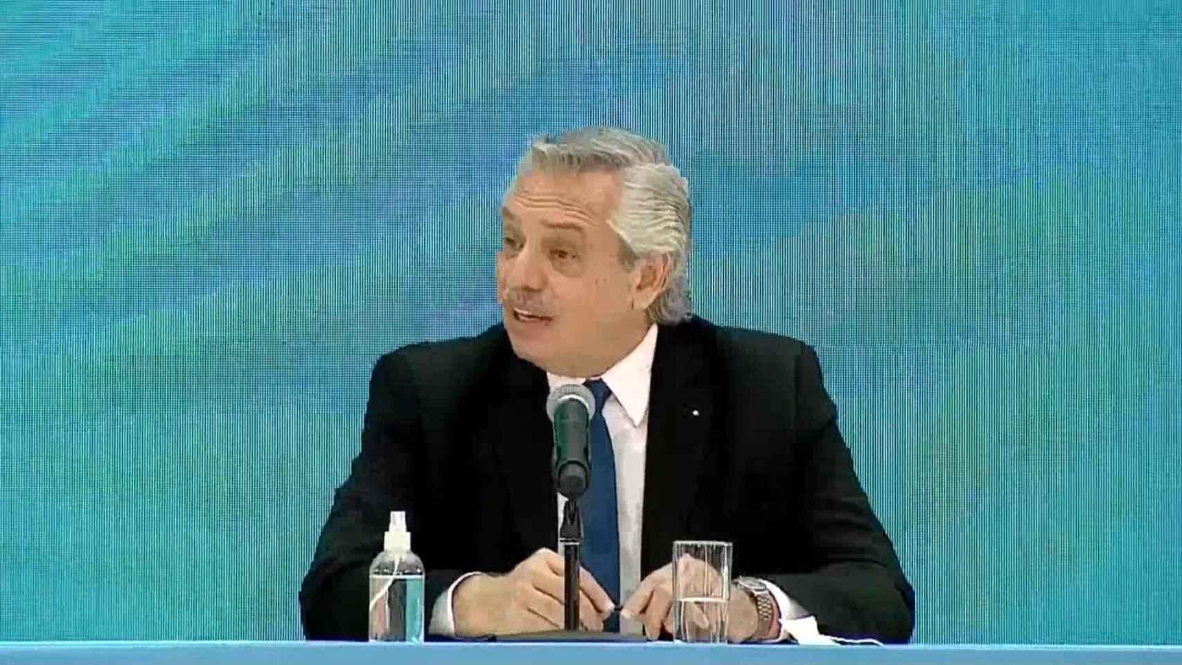 Alberto Fernández enfurece a México con este comentario racista junto a Pedro Sánchez