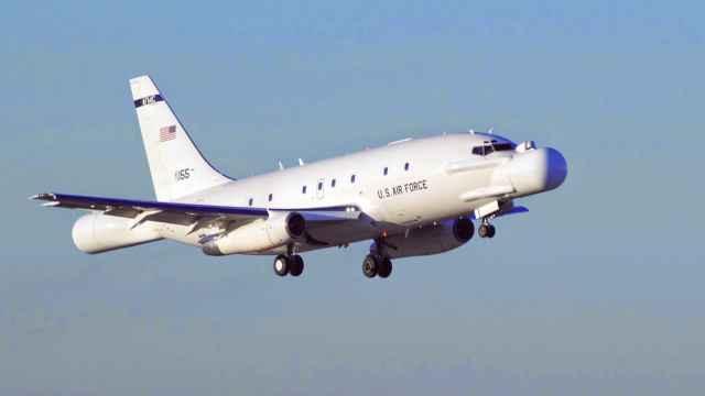 Avión NT-43