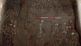 Restos humanos hallados en el cementerio del monasterio agustino.