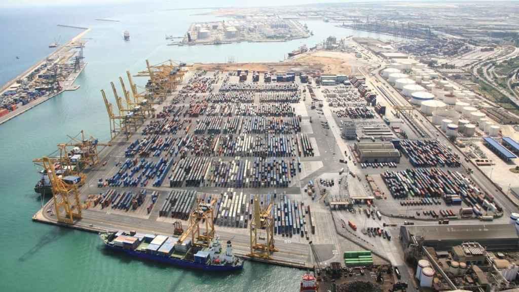 Terminal portuario de Barcelona.