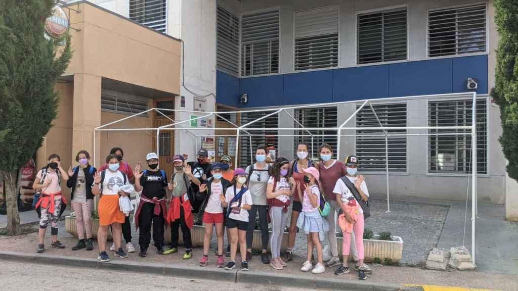 Todos los alumnos del colegio Ramón y Cajal de Alpartir.