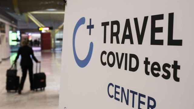 Centro de tests Covid para pasajeros en el aeropuerto de Barajas. Alejandro Martínez Vélez / Europa Press