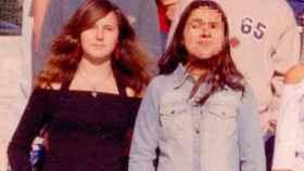 A la izquierda, Ione Belarra, en su orla de Bachillerato.