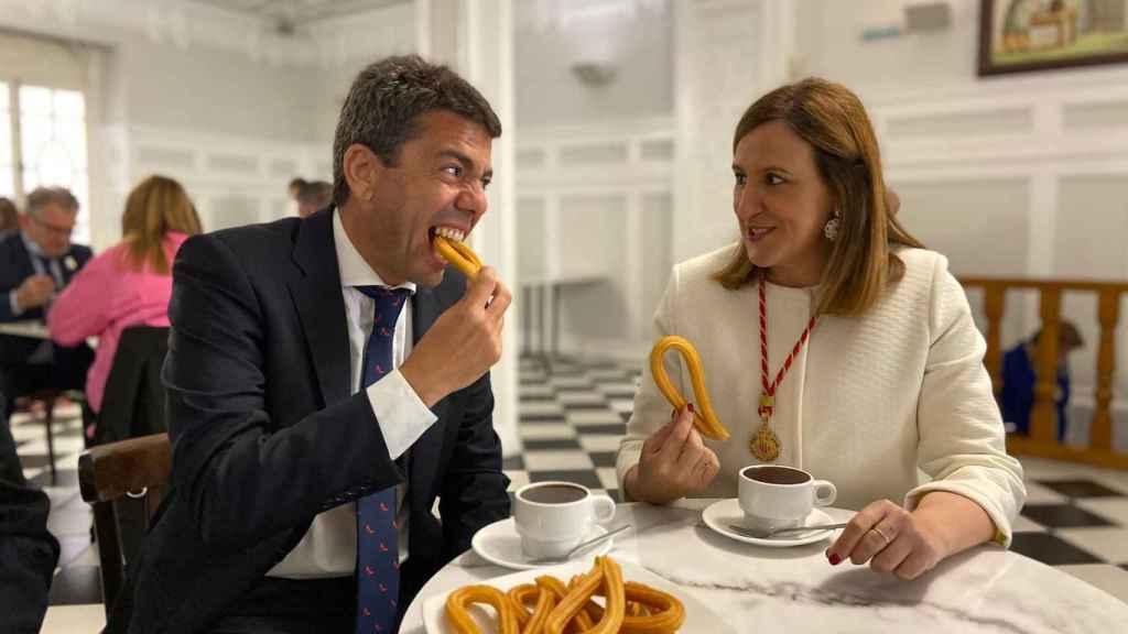 Carlos Mazón y su futura secretaria general en el PPCV, María José Catalá.