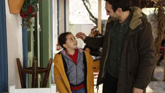 Avance en fotos de 'Mi hija': Candan, muy dolida y triste después de que Demir le pida el divorcio