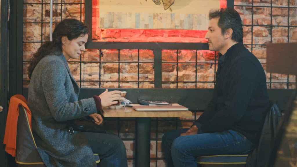 Avance en fotos del nuevo capítulo de 'Mujer': Bahar y Arif comienzan a pasar más tiempo juntos