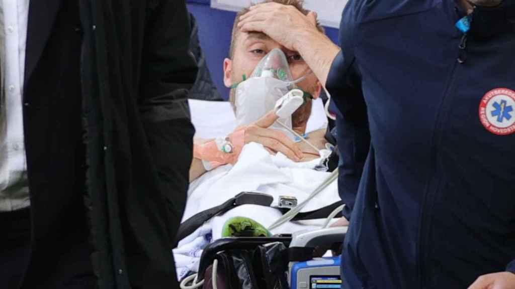 """Christian Eriksen está """"estable"""" tras su primera noche en el hospital"""