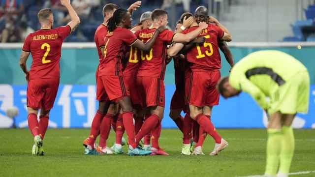 Bélgica celebra uno de sus goles frente a Rusia