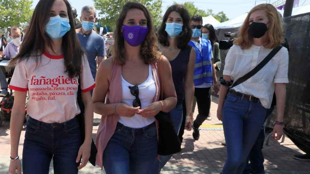 Ione Belarra, Noelia Vera, Isa Serra y Lilith Verstrynge, a su llegada a la IV Asamblea Ciudadana de Podemos, en Alcorcón.