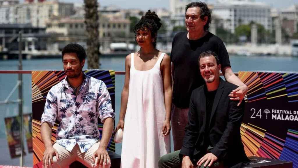 El equipo de 'El vientre del mar'