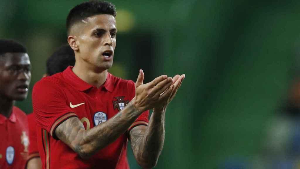 Joao Cancelo, celebrando un gol con Portugal