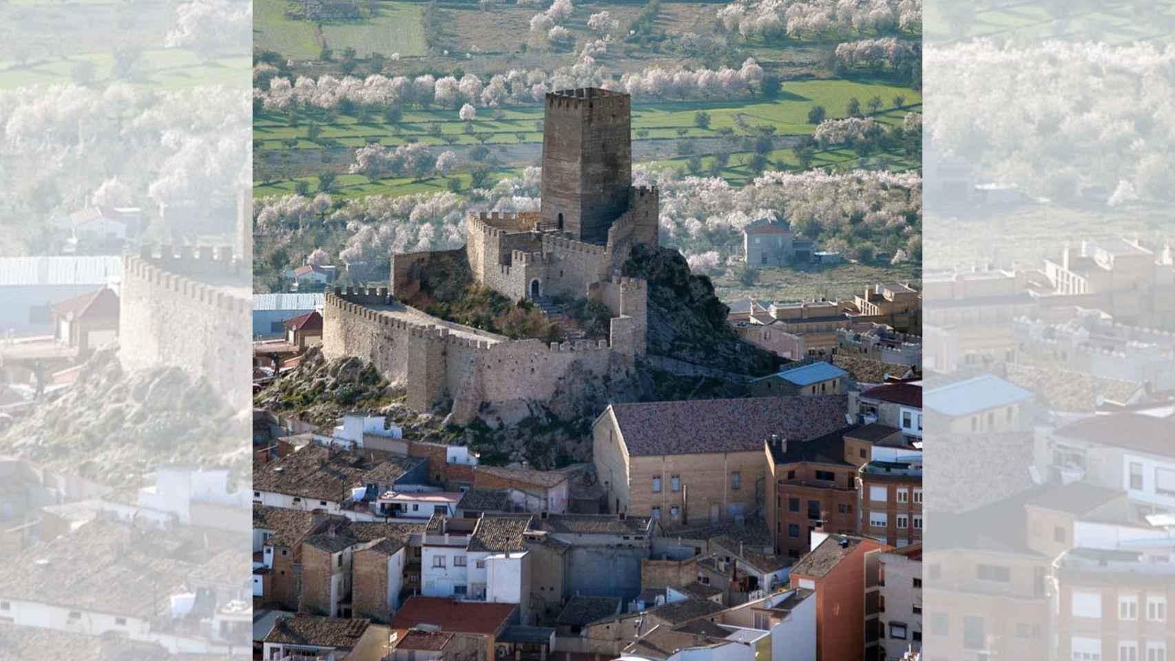 Vistas al castillo de Banyeres de Mariola, Alicante.
