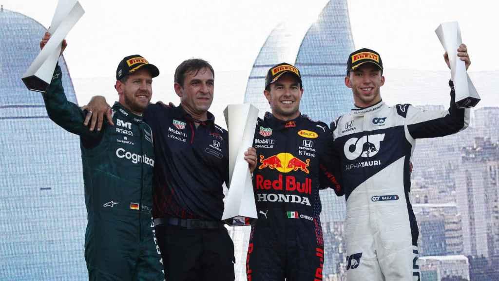 Vettel en el podio de Bakú