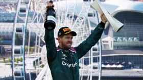 Sebastian Vettel celebra su segundo puesto en Bakú