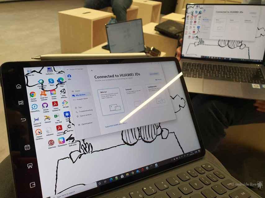 PC con Windows 10 conectado a MatePad 11 con HarmonyOS