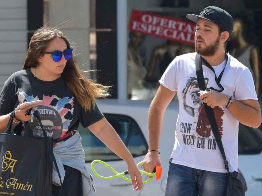 Rocío y David Flores por las calles de Málaga.