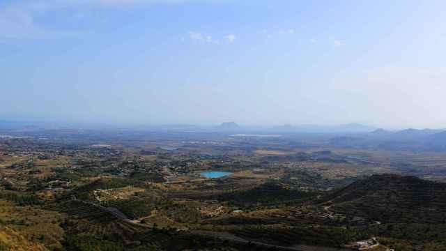 Panorámica de Busot, en la montaña de l'Alacantí.
