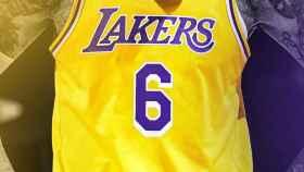 LeBron James, en su anuncio de su nuevo dorsal